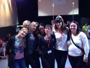 La team Pole Dance Adict venue de Grenoble pour soutenir Ingrid dans cette compétition internationale